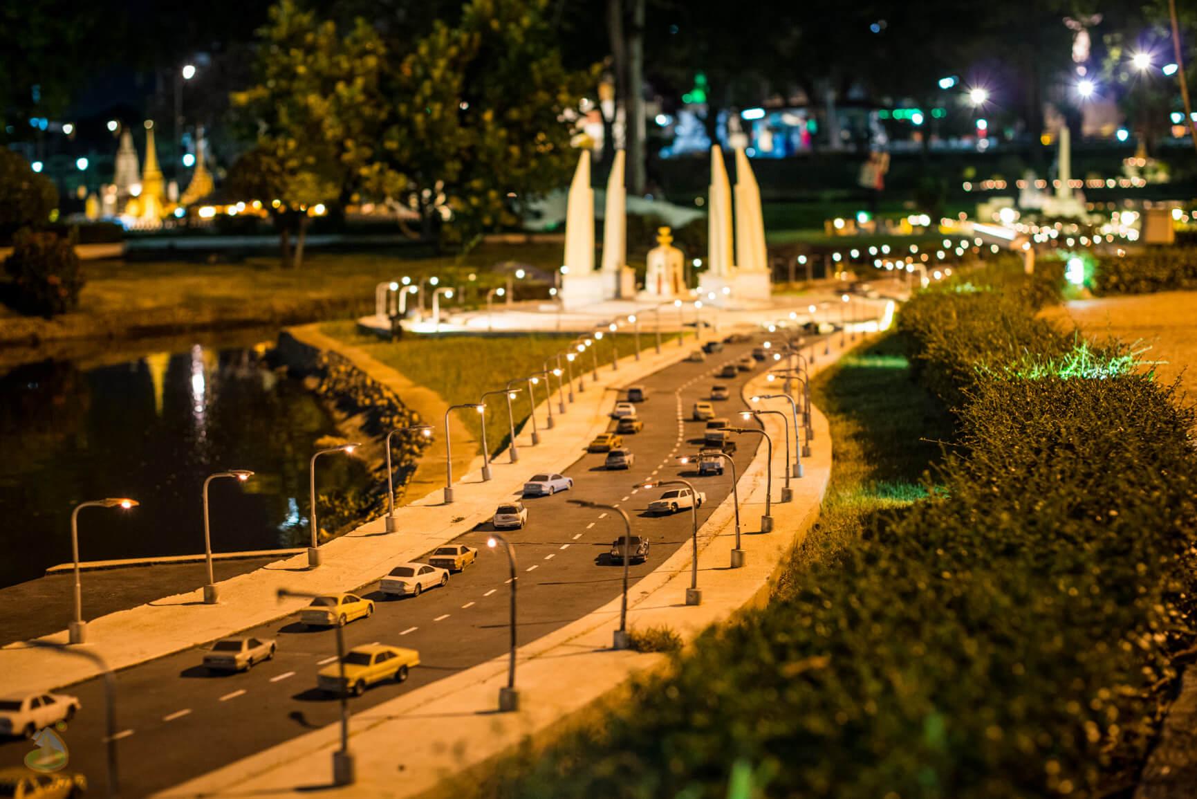 Автострада в Мини Сиам