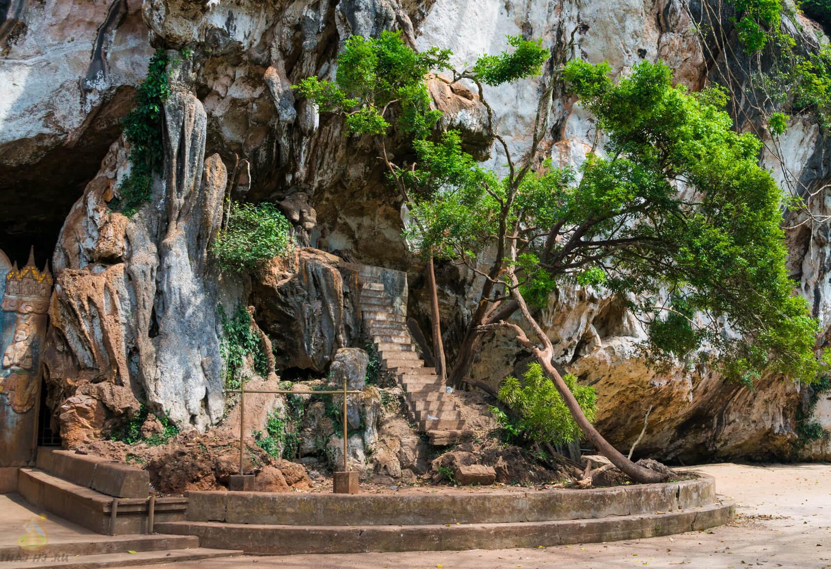 Краби - фото у пещеры обезьян