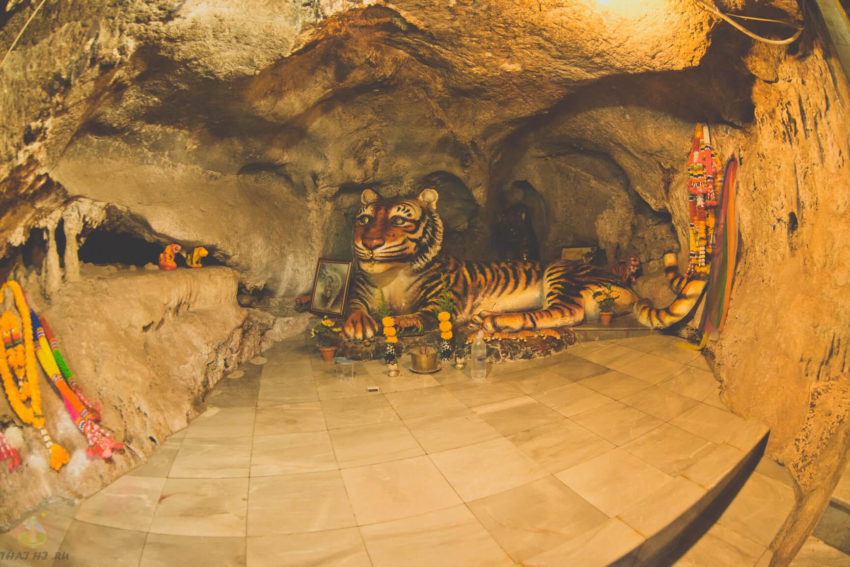 Храм Пещера Тигра, фото внутри