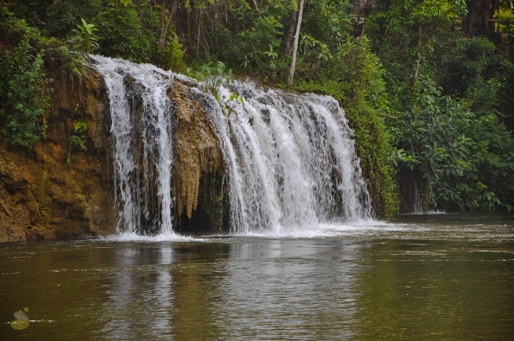 Водопады по берегам реки Квай