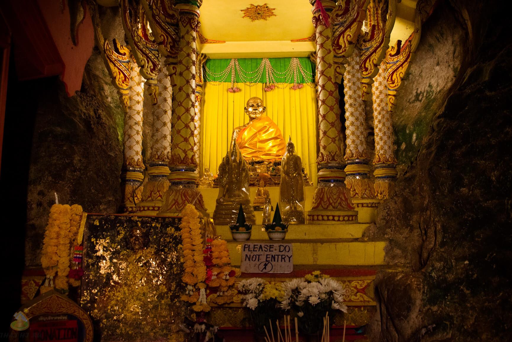 Suwan Kuha Temple - пещера обезьян в Phang Nga