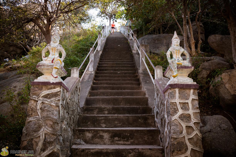 Hua Hin Khao Takiab Temple