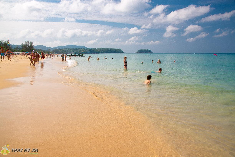 Вода на пляже Карон Пхукет - фото