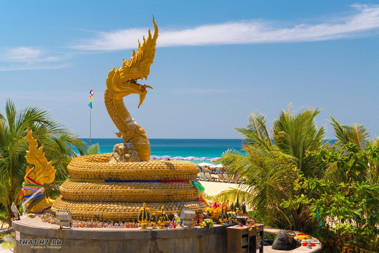 Статуя дракона на Кароне - фото