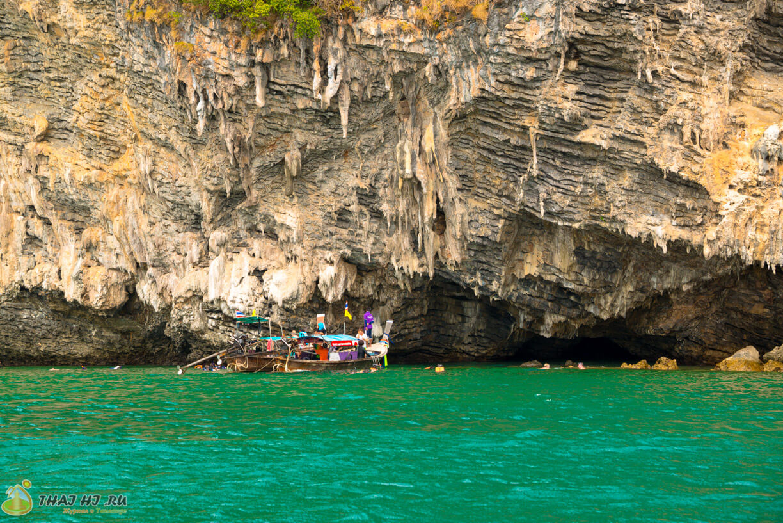 Пещеры над водой в Краби