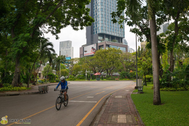 Велосипедисты в Бангкоке