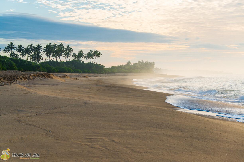 Пляж в Тангалле возле Pastissade Beach
