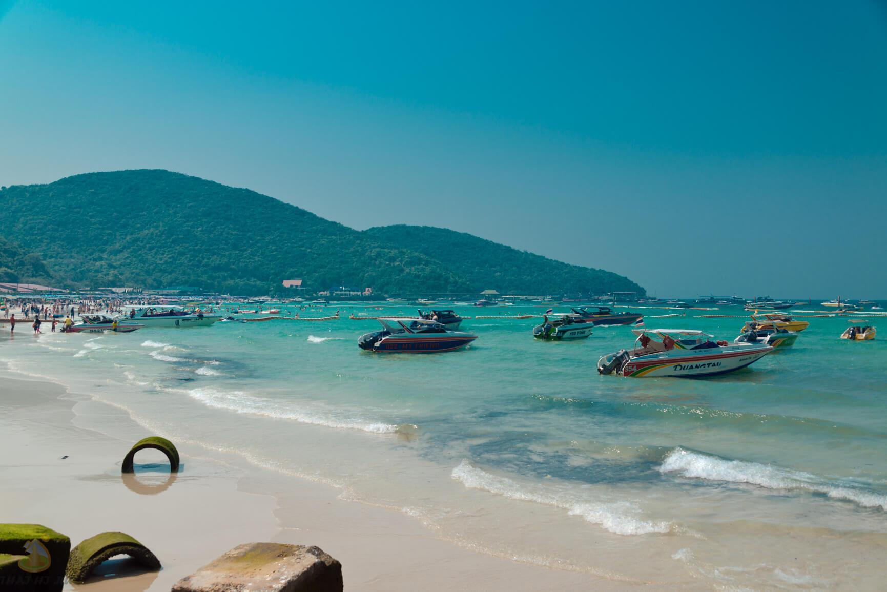Остров Ко Лан, основной пляж