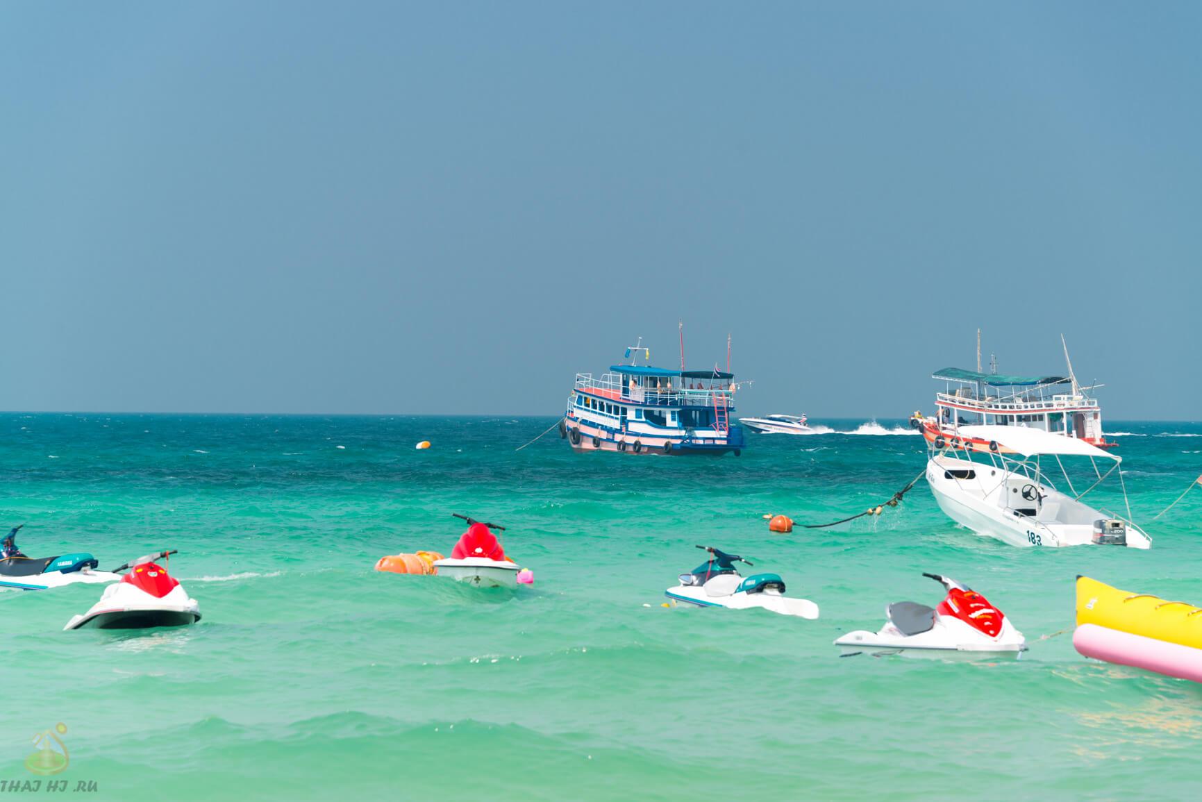 Вода на пляже Tonglang Ko Lan