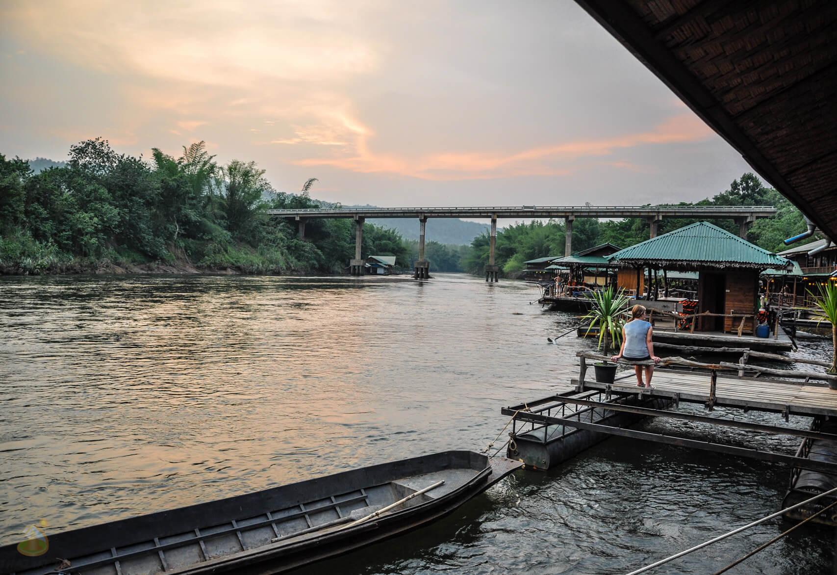 Прекрасный вечер на реке