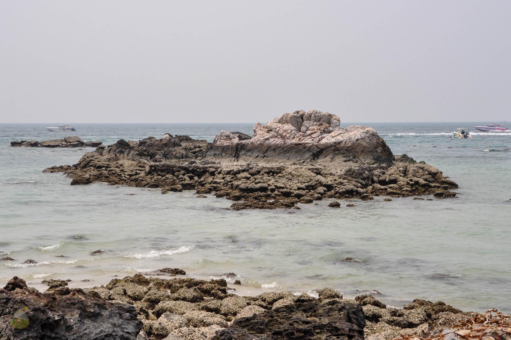 Берег вдоль Ко Лана