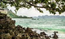 Камни на острове