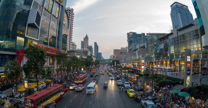 Путешествие в автобусе по Бангкоку