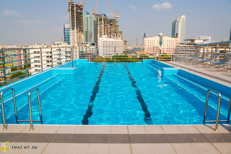 Бассейн на крыше - Отель Bangkok 68