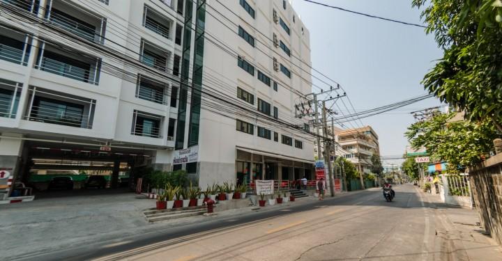 У отеля Bangkok 68
