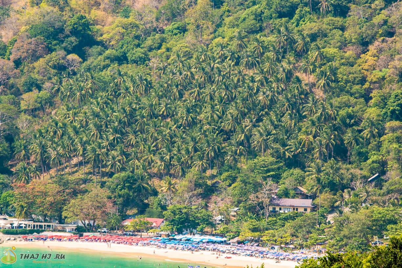 Вид на пляж Най Харн