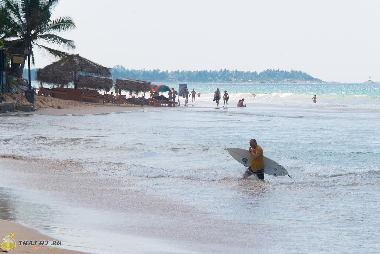 Серфинг в Hikkaduwa, Sri Lanka